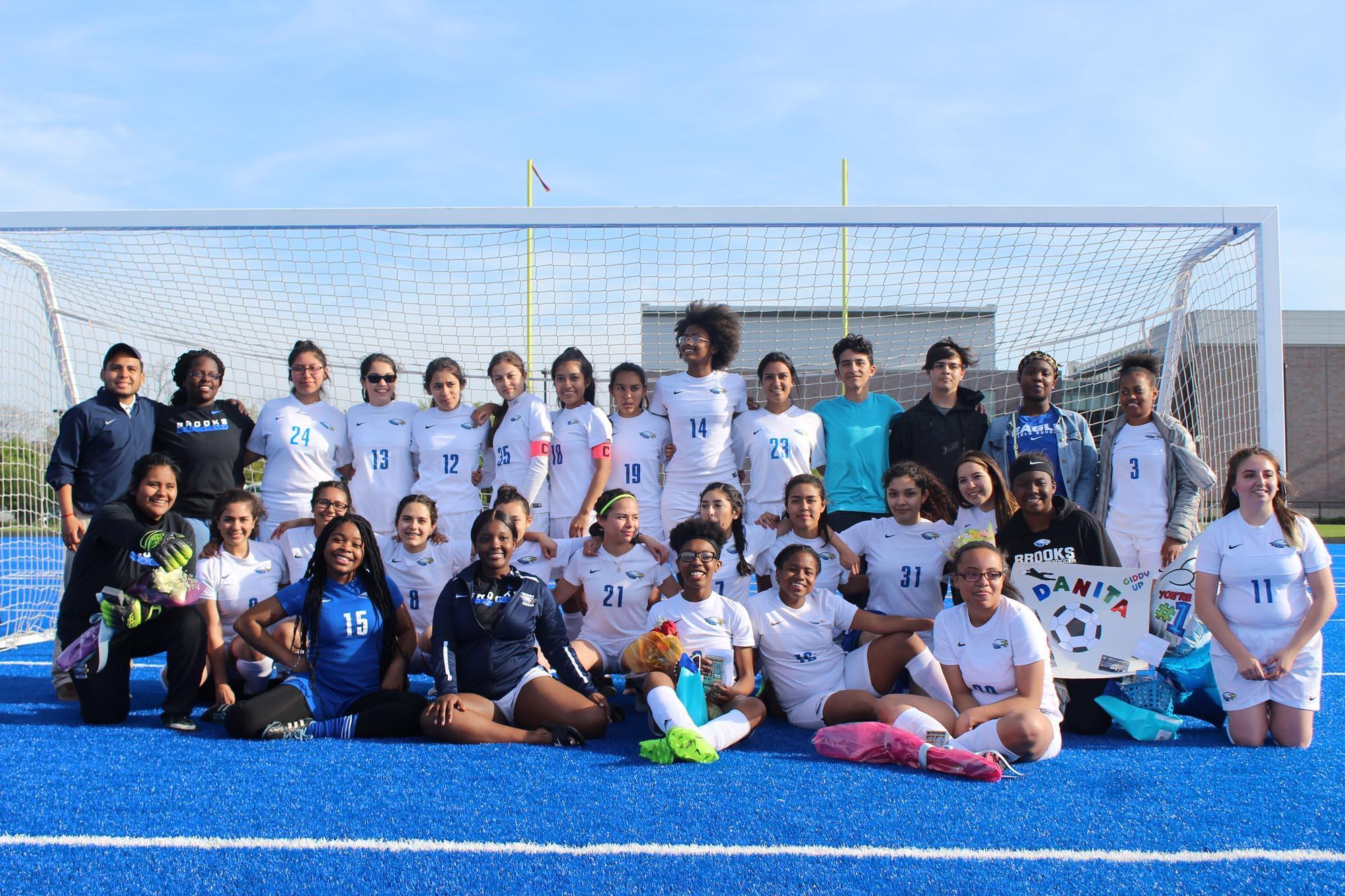 2018-2019 Brooks Girls Soccer Team Group Photo